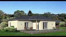 vi2000 220 berdachte terrasse bei einem bungalow
