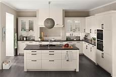 Landhausküche Mit Kochinsel - romantische wei 223 e landhausk 252 che mit insel