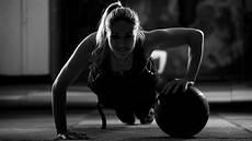 fitness model frau hintergrundbilder 5759x3254 px fitnessmodel sport