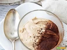 crema pasticcera veloce e leggera crema al caff 232 leggera e veloce ricetta trovaricetta com