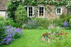 cothay manor gardens vintage country style