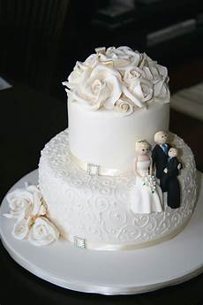Two Tier Wedding Cake Ideas 25 small wedding cakes for the special occassion
