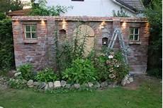 Ziermauer Beleuchtungseinbau Gartengestaltung