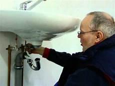 ablaufgarnitur waschbecken montieren montage waschmaschinenanschlu 223 unter waschbecken