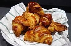 recette croissant au beurre boulanger croissants au beurre simple gourmand