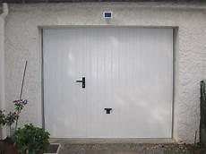 Porte De Garage Isolee Basculante Avec Portillon