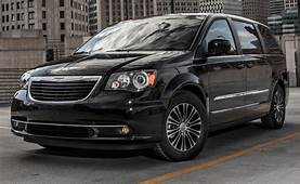 2013 Chrysler Town And Country S Shown Before LA Debut