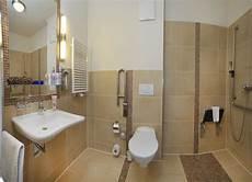 Behindertengerechte Badezimmer Beispiele - quot behindertengerechtes bad quot hotel nordischer hof