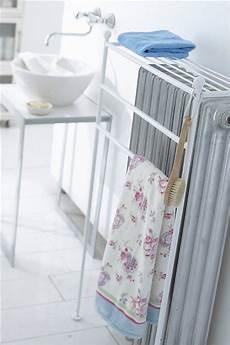 verkleidung für heizkörper handtuchhalter heizk 195 182 rper handtuchhalter handtuchhalter heizung und handtuchtrockner
