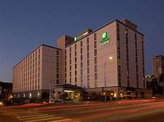 downtown nashville tn hotel holiday inn express suites