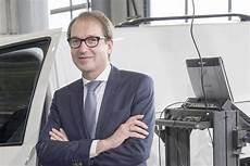 Abgas Skandal Ausschuss Befragt Dobrindt Und Weil Heise