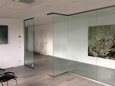 trennwände aus glas trennw 228 nde aus glas f 252 r b 252 ro praxis und zuhause glasprofi24