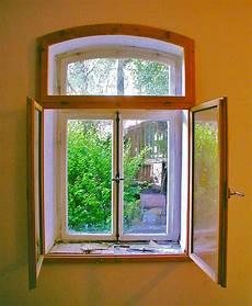 Datei Historisches Fenster Mit Neuem Inneren Vorfenster