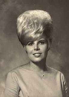 hair on pinterest big hair helmets and 1960s 1960 s hairstyles jackie on a pensive hair day 1960s hair bouffant hair big hair