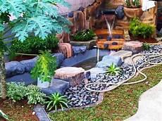 Taman Rumah Minimalis Dengan Kolam Ikan Terbaru Gardenly