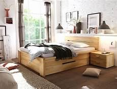 schlafzimmer betten massivholzbett caspar 140x200 kernbuche ge 246 lt stauraumbett