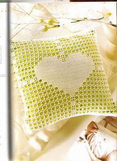 cuscino cuore uncinetto cuscino portafedi cuore filet 1 magiedifilo it punto