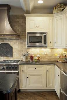 Backsplash For Kitchen With White Cabinet Mediterranean Kitchen Design Travertine Tile Backsplash