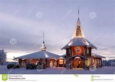 Malvorlagen Weihnachtsmann Haus Weihnachtshaus Im Weihnachtsmann Dorf Redaktionelles