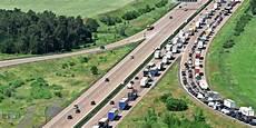 Bauarbeiten Bis Freitag Auf Der A10 Drohen Weiter Lange