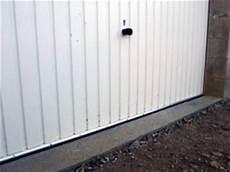chatiere porte garage basculante joint bas de porte de garage accessoires auto sur