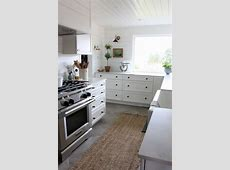 How to Mix & Match Kitchen Hardware Finishes & Styles