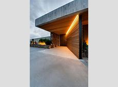 Horizontal timber cladding to wall and ceiling. Also note