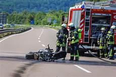 Jugendlicher Get 246 Tet Bei Unfall Auf Der A8 Zwischen