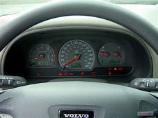 car maintenance manuals 2003 volvo s40 instrument cluster image 2003 volvo v40 5dr wagon 1 9l instrument cluster size 640 x 480 type gif posted on