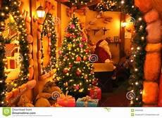 Malvorlagen Weihnachtsmann Haus Weihnachtsmann Haus Stockfoto Bild Geschenke H 252 Tte
