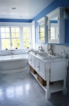 beach cottage bathroom philadelphia by colleen brett