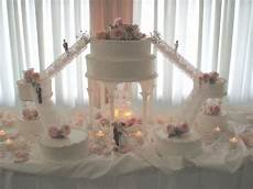 support pour gateau de mariage arts news pictures of wedding cakes with stairs