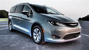 2018 Chrysler Pacifica Hybrid  Driven Pictures Photos