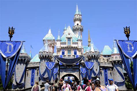 Anaheim Disneyland Disneyland Vs Disney World Which Is Cheaper Minitime