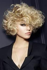 Coupe Courte Cheveux Bouclés : cheveux fris s coupe courte ~ Melissatoandfro.com Idées de Décoration