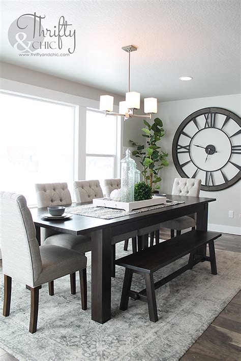 Model Home Decor by Model Home Monday Dining Dining Room Wall