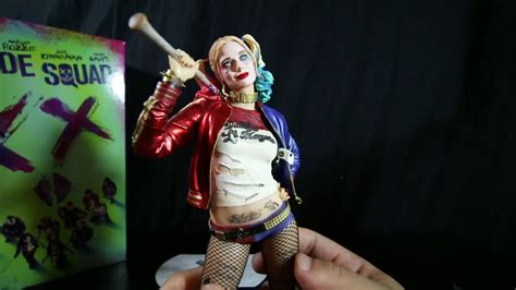 suicide squad blu ray and harley quinn statue unboxing youtube