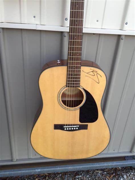 blake shelton guitar blake shelton autographed guitar 171 hope for brad