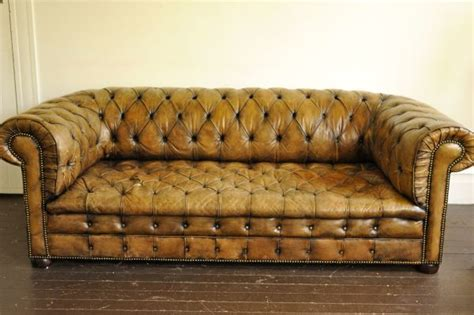 chesterfield sofa craigslist chesterfield leather sofa on craigslist seattle only