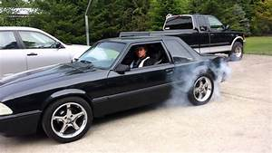 93 Mustang burnout - YouTube
