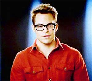chris pine with glasses | Tumblr