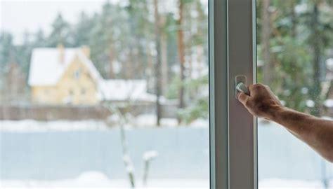 Почему потеют пластиковые окна изнутри в квартире или доме