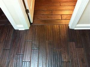 Awesome hardwood floor vs laminate homesfeed for How to calculate how much wood flooring is needed