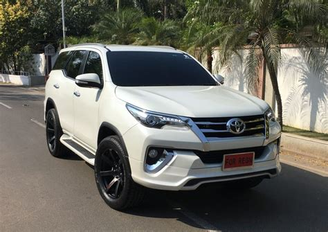 Toyota Fortuner Modification by Toyota Fortuner Muscles Up With Fiar Design Kit