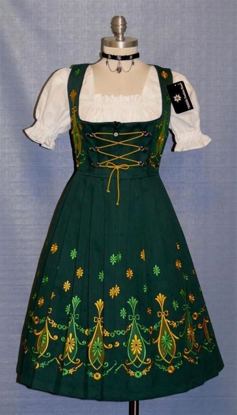 dirndl accessories german dresses worn  octoberfest
