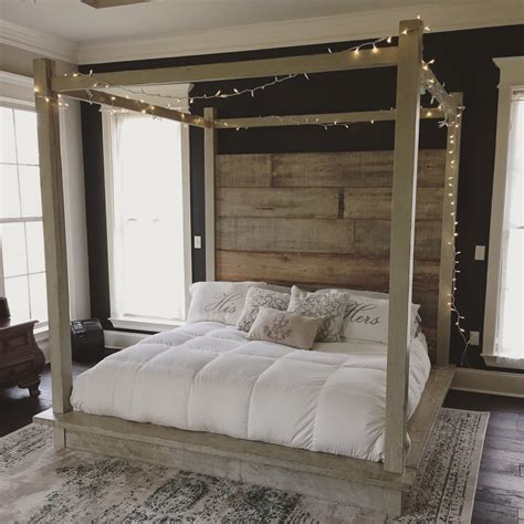 Reclaimed Wood Canopy Bed White