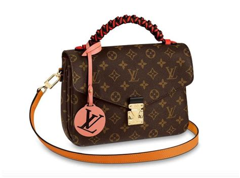 louis vuitton   grip  braid handles    selling bags duty  hunter duty