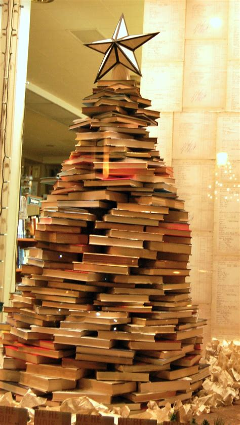 Decorating Ideas Using Books by 17 Diy And Ideas To Make A Tree