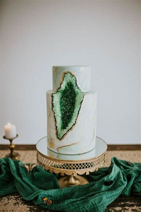 trendiest cake types   examples weddingomania