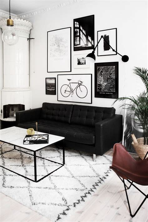 Living Room Decor Ideas Black And White by Best 25 Black Sofa Ideas On Sofa Living